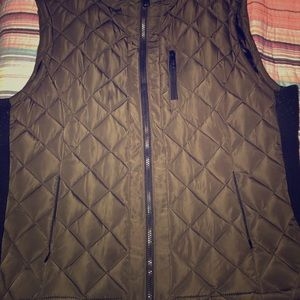 Jackets & Coats - 1 hr sale🚨Like new! Puffer vest